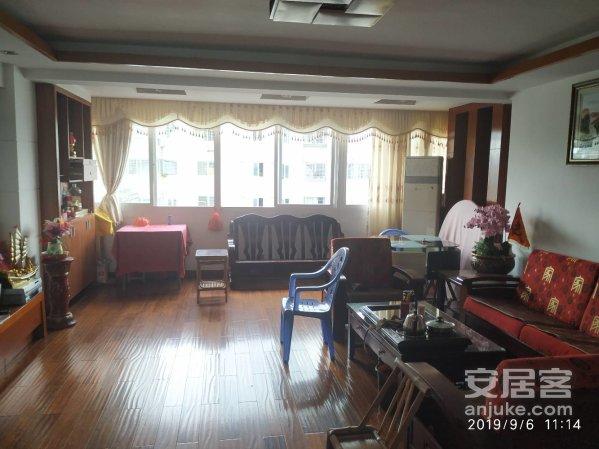翠江明珠3房2厅132平